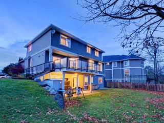 """Photo 15: 3998 CAVES Court in Abbotsford: Abbotsford East House for sale in """"SANDY HILL"""" : MLS®# R2222568"""