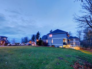 """Photo 12: 3998 CAVES Court in Abbotsford: Abbotsford East House for sale in """"SANDY HILL"""" : MLS®# R2222568"""