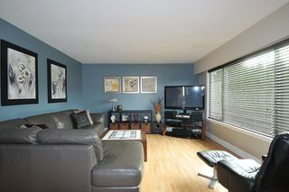 Photo 2: 2335 MARSHALL Avenue in Port Coquitlam: Mary Hill House for sale : MLS®# R2239824
