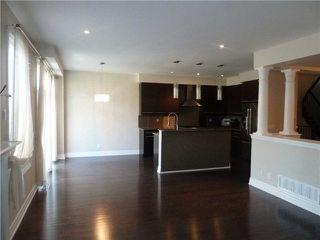 Photo 3: 91 Scott Boulevard in Milton: Scott House (2-Storey) for lease : MLS®# W4096755