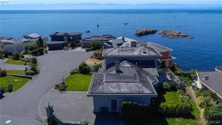 Photo 3: 9 300 Plaskett Pl in VICTORIA: Es Saxe Point Single Family Detached for sale (Esquimalt)  : MLS®# 784553