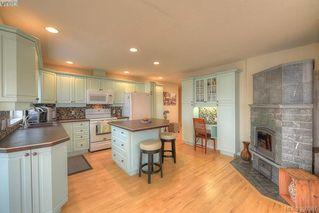 Photo 6: 9 300 Plaskett Pl in VICTORIA: Es Saxe Point Single Family Detached for sale (Esquimalt)  : MLS®# 784553