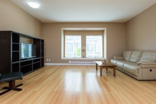 Photo 3: 33 13899 LAUREL Drive in Surrey: Whalley Townhouse for sale (North Surrey)  : MLS®# R2267843