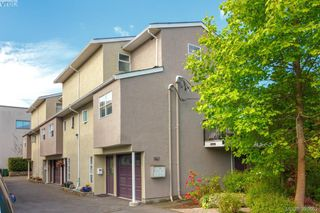 Photo 33: 1 947 Caledonia Avenue in VICTORIA: Vi Central Park Townhouse for sale (Victoria)  : MLS®# 391662