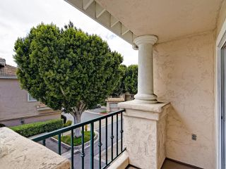 Photo 3: UNIVERSITY CITY Condo for sale : 1 bedrooms : 7245 Calabria Ct #53 in San Diego