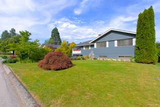 "Photo 4: 942 GARROW Drive in Port Moody: Glenayre House for sale in ""Glenayre"" : MLS®# R2283239"