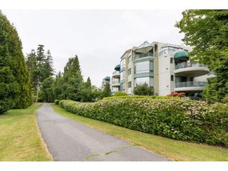 "Photo 2: 206 1705 MARTIN Drive in Surrey: Sunnyside Park Surrey Condo for sale in ""Southwynd"" (South Surrey White Rock)  : MLS®# R2288568"