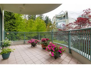 "Photo 17: 206 1705 MARTIN Drive in Surrey: Sunnyside Park Surrey Condo for sale in ""Southwynd"" (South Surrey White Rock)  : MLS®# R2288568"
