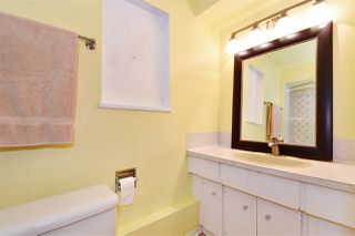 Photo 18: 3310 NANAIMO Street in Vancouver: Renfrew Heights House for sale (Vancouver East)  : MLS®# R2310492