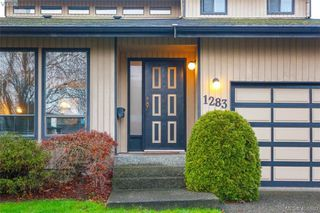 Photo 2: 1283 Santa Maria Pl in VICTORIA: SW Strawberry Vale House for sale (Saanich West)  : MLS®# 804520