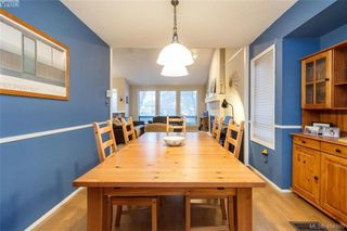 Photo 8: 1283 Santa Maria Pl in VICTORIA: SW Strawberry Vale House for sale (Saanich West)  : MLS®# 804520
