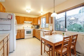 Photo 11: 1283 Santa Maria Pl in VICTORIA: SW Strawberry Vale House for sale (Saanich West)  : MLS®# 804520
