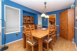 Photo 7: 1283 Santa Maria Pl in VICTORIA: SW Strawberry Vale House for sale (Saanich West)  : MLS®# 804520