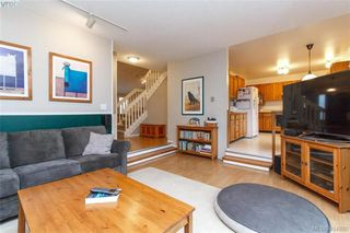 Photo 14: 1283 Santa Maria Pl in VICTORIA: SW Strawberry Vale House for sale (Saanich West)  : MLS®# 804520