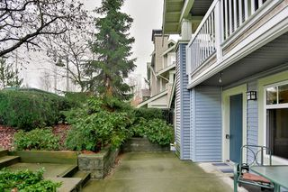 "Photo 2: 28 7488 SOUTHWYNDE Avenue in Burnaby: South Slope Townhouse for sale in ""LEDGESTONE I"" (Burnaby South)  : MLS®# R2345140"