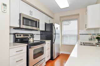 "Photo 7: 418 20259 MICHAUD Crescent in Langley: Langley City Condo for sale in ""CITY GRANDE"" : MLS®# R2348964"