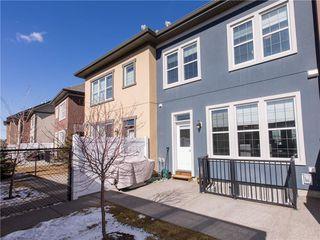 Photo 4: 460 QUARRY PARK Boulevard SE in Calgary: Douglasdale/Glen Row/Townhouse for sale : MLS®# C4236321