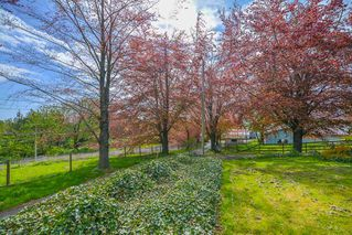 Photo 2: 29123 HUNTINGDON Road in Abbotsford: Aberdeen House for sale : MLS®# R2365435