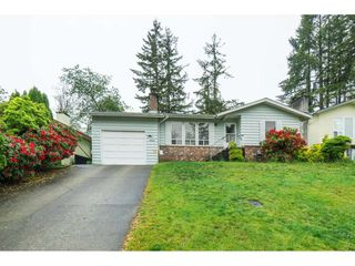 Photo 1: 3067 MOUAT Drive in Abbotsford: Abbotsford West House for sale : MLS®# R2368457