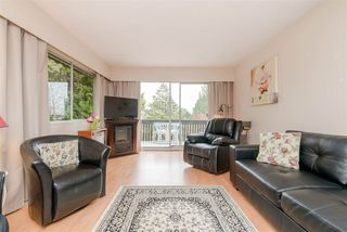 Photo 3: 312 910 FIFTH Avenue in New Westminster: Uptown NW Condo for sale : MLS®# R2371401