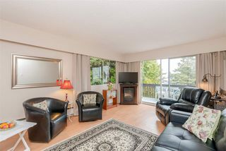 Photo 2: 312 910 FIFTH Avenue in New Westminster: Uptown NW Condo for sale : MLS®# R2371401