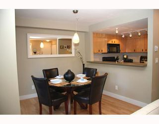 Photo 3: 39 7428 Southwynde Ave in Burnaby: South Slope Home for sale ()  : MLS®# V775640