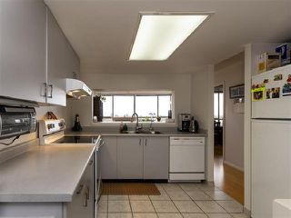 "Photo 9: 1301 14881 103A Avenue in Surrey: Guildford Condo for sale in ""Sunwest Estates"" (North Surrey)  : MLS®# R2379459"