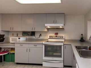 "Photo 10: 1301 14881 103A Avenue in Surrey: Guildford Condo for sale in ""Sunwest Estates"" (North Surrey)  : MLS®# R2379459"