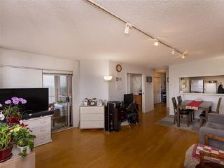 "Photo 3: 1301 14881 103A Avenue in Surrey: Guildford Condo for sale in ""Sunwest Estates"" (North Surrey)  : MLS®# R2379459"