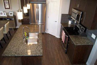 Photo 4: 4224 204 Street in Edmonton: Zone 57 House Half Duplex for sale : MLS®# E4161928