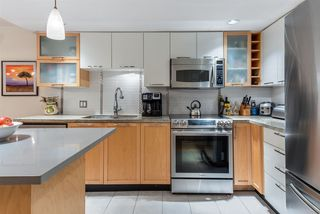 "Photo 1: 207 2137 W 10TH Avenue in Vancouver: Kitsilano Condo for sale in ""THE ""I"" BUILDING"" (Vancouver West)  : MLS®# R2401655"
