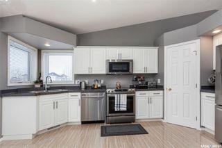 Photo 9: 643 Guenter Crescent in Saskatoon: Arbor Creek Residential for sale : MLS®# SK797818