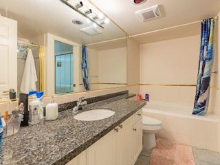 """Photo 13: 401 6188 PATTERSON Avenue in Burnaby: Metrotown Condo for sale in """"WIMBLEDON CLUB"""" (Burnaby South)  : MLS®# R2511892"""