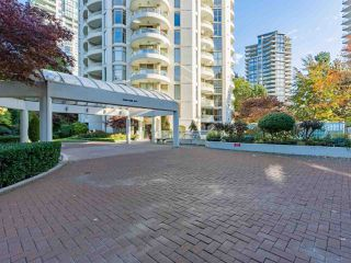 """Photo 2: 401 6188 PATTERSON Avenue in Burnaby: Metrotown Condo for sale in """"WIMBLEDON CLUB"""" (Burnaby South)  : MLS®# R2511892"""