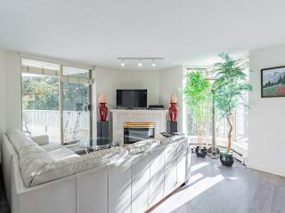 """Photo 6: 401 6188 PATTERSON Avenue in Burnaby: Metrotown Condo for sale in """"WIMBLEDON CLUB"""" (Burnaby South)  : MLS®# R2511892"""