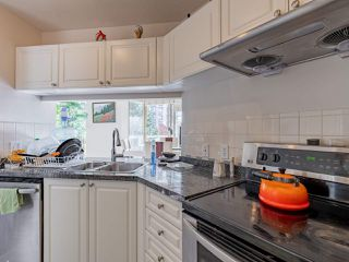"""Photo 17: 401 6188 PATTERSON Avenue in Burnaby: Metrotown Condo for sale in """"WIMBLEDON CLUB"""" (Burnaby South)  : MLS®# R2511892"""