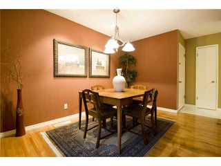 Photo 4: 4815 40 Avenue SW in CALGARY: Glamorgan Residential Detached Single Family for sale (Calgary)  : MLS®# C3494694