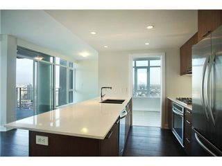 "Photo 4: # 3305 1372 SEYMOUR ST in Vancouver: Downtown VW Condo for sale in ""THE MARK"" (Vancouver West)  : MLS®# V1042380"
