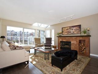 "Photo 3: 1598 ISLAND PARK Walk in Vancouver: False Creek Townhouse for sale in ""THE LAGOONS"" (Vancouver West)  : MLS®# V1052642"