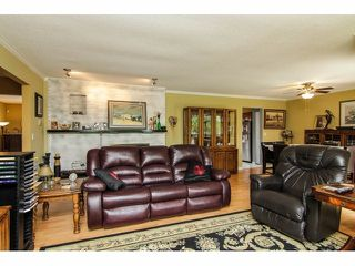 """Photo 4: 19670 50TH Avenue in Langley: Langley City House for sale in """"EAGLE HEIGHTS"""" : MLS®# F1410577"""