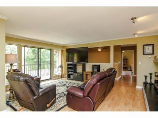 """Photo 3: 19670 50TH Avenue in Langley: Langley City House for sale in """"EAGLE HEIGHTS"""" : MLS®# F1410577"""
