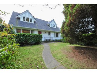 Photo 1: 527 E 19TH Street in North Vancouver: Boulevard House for sale : MLS®# V1094471
