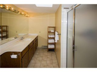"""Photo 7: 35 3960 CANADA Way in Burnaby: Burnaby Hospital Townhouse for sale in """"CASCADE VILLAGE"""" (Burnaby South)  : MLS®# V1112623"""