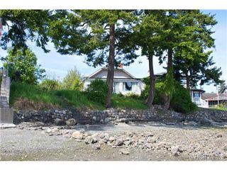 Photo 5: 10301 Resthaven Dr in SIDNEY: Si Sidney North-East House for sale (Sidney)  : MLS®# 701395