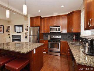 Photo 6: 4 1105 Esquimalt Rd in VICTORIA: Es Saxe Point Row/Townhouse for sale (Esquimalt)  : MLS®# 702866