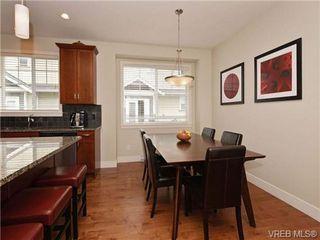 Photo 9: 4 1105 Esquimalt Rd in VICTORIA: Es Saxe Point Row/Townhouse for sale (Esquimalt)  : MLS®# 702866