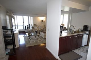 Photo 8: 1112 310 Red Maple Road in Richmond Hill: Langstaff Condo for lease : MLS®# N3453681