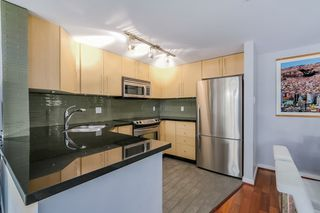 "Photo 7: 2738 CRANBERRY Drive in Vancouver: Kitsilano Townhouse for sale in ""ZYDECO"" (Vancouver West)  : MLS®# R2073956"
