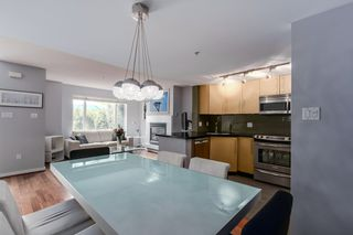 "Photo 4: 2738 CRANBERRY Drive in Vancouver: Kitsilano Townhouse for sale in ""ZYDECO"" (Vancouver West)  : MLS®# R2073956"