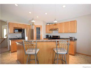 Photo 8: 50 Marseilles Close in Winnipeg: West Kildonan / Garden City Residential for sale (North West Winnipeg)  : MLS®# 1616686